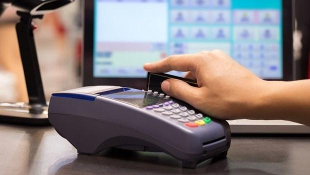 換健保卡、辦護照、殯儀館辦喪事...都可刷卡!全台「公家機關」信用卡繳費服務