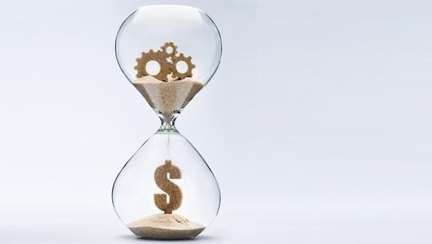 錢 時間 沙漏