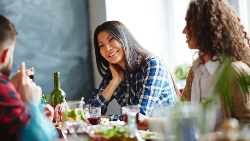 亞洲女生 聚餐
