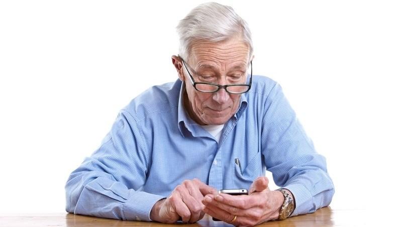 「長照險」保費太貴買不起!擔心老年失智,你真正該買的是「這些保險」