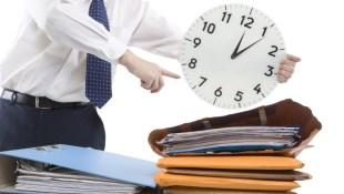 「老闆要報告,我不利用午休繼續做真的做不完」!午休「工作」1小時,可