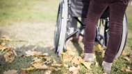 輪椅一張5千元,政府補助4千!助行