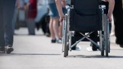 研究揭露:身心障礙者,比健康的人還長壽!不想「照護費」拖垮經濟,最好買●●險