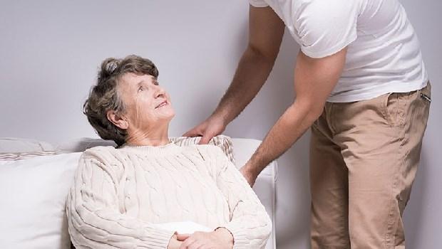離職照護雙親:我差點殺了久病的媽媽