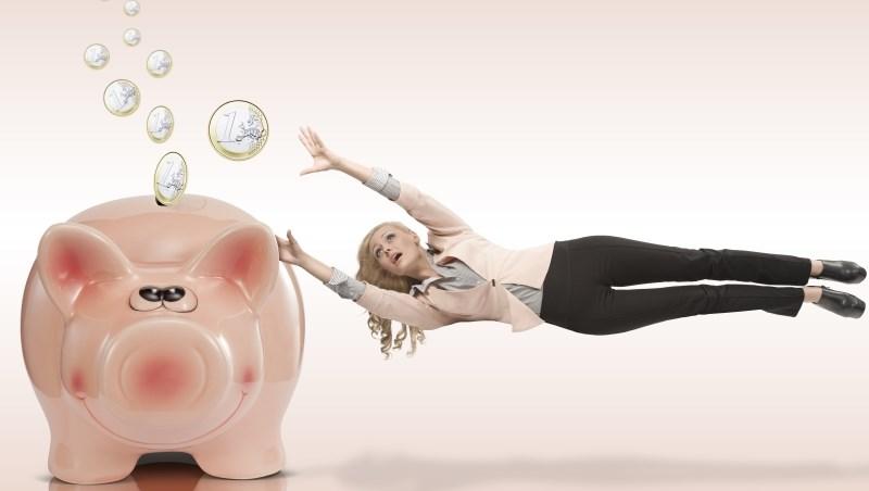保費不想「年繳」,小心賠大錢!算給你看:用月繳等於跟保險公司借錢,利率12.27%,季繳更高...