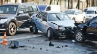 這台國產車撞凹3台車、撞死3個人,