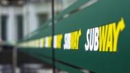 12吋潛艇堡偷工減料!Subway