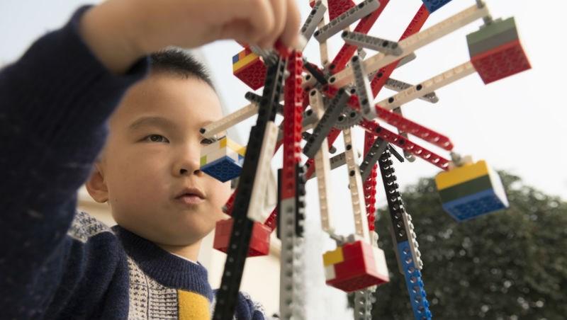 「樂高」玩得好,小孩更有「投資腦」?一個華爾街操盤手的解析