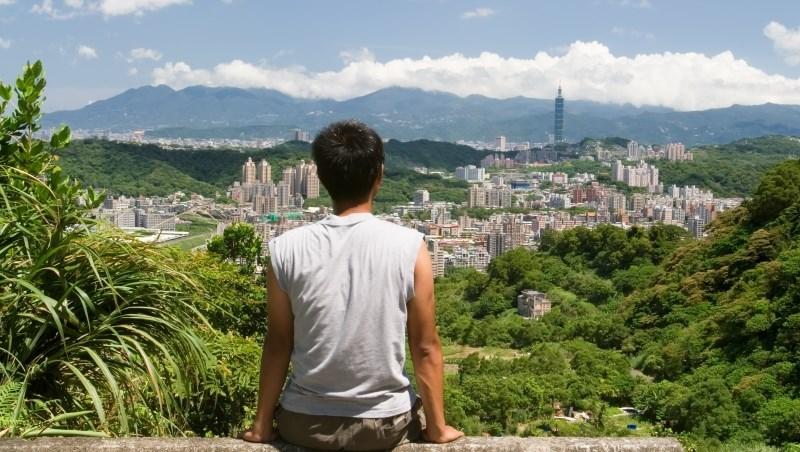 香港僑生交大畢業,留台奮鬥11年:家鄉的人滿口股票、沒有人味,我真的不想回去