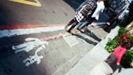 為什麼馬路上永遠是台灣的小孩在亂跑