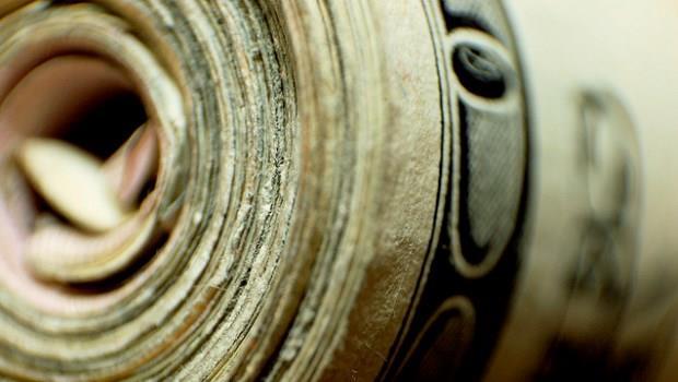 經濟學人》美元主宰,全球經濟力弱,霸主地位漸危