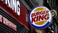 股價漲100%》漢堡王大復活的秘密:不靠賣漢堡,改賣「招牌」