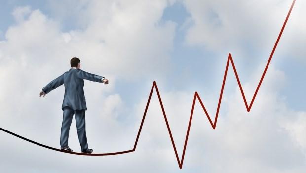 股票有漲有跌...該如何避險?除了買進,再教你3招「放空」美股,不怕被套牢