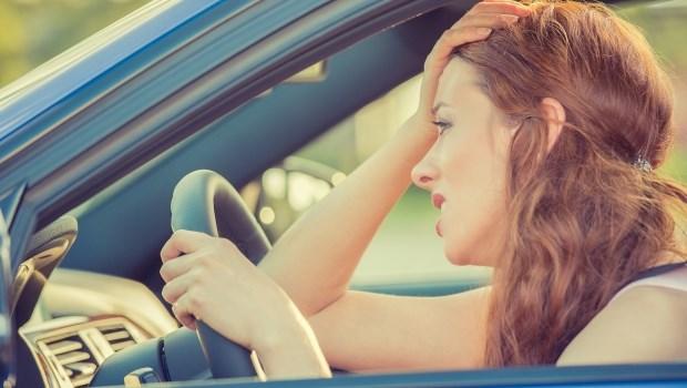 常覺得隔壁車道比較順暢、隔壁排結帳比較快?這種人投資很難賺到錢