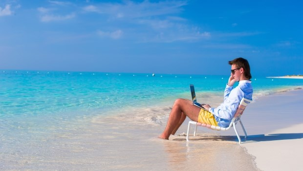 「時間管理」的最高境界!他一邊工作一邊環遊世界,全公司都被蒙在鼓裡