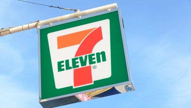 7-11為什麼在短短距離就開兩間店?香港部落客爆出加盟店家慘況