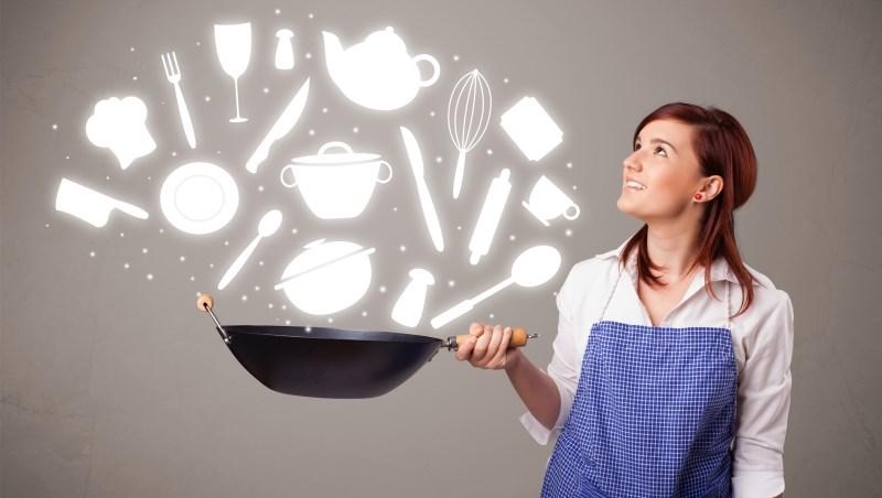 水波爐、調理機、無水鍋...廚具幾乎是女人最愛囤積物品第一名,這反映什麼心態?