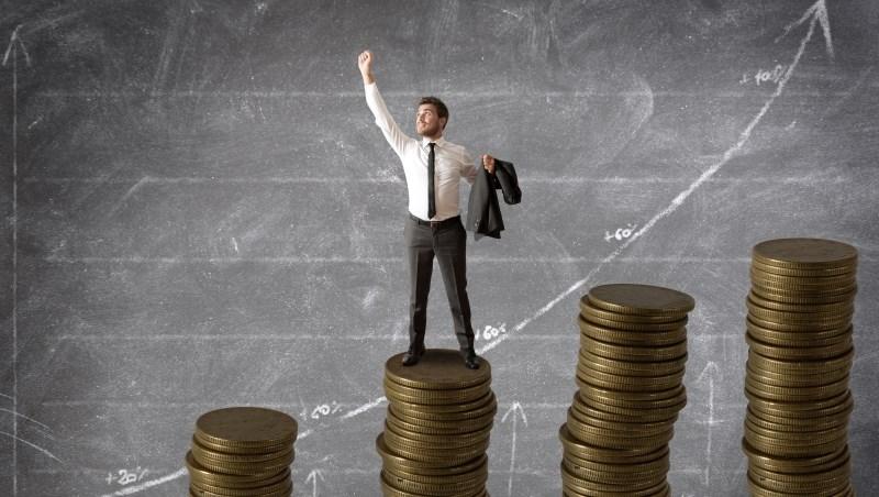 投資 股市 股票 基金 債券 上漲 賺錢  現金 儲蓄 存款 存錢