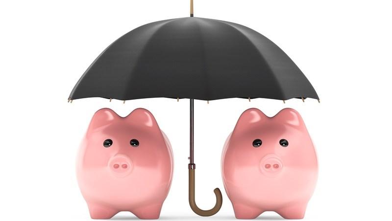 保費繳不出來...不必解約!用這招把終身險換定期險,同樣的保額,未來十年不用繳費