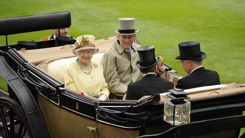 英國女皇選馬車伕,和巴菲特買股票,原來都是用同一個原則!