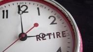 買經理費1.5%的基金「存退休金」?結局跟年金改革一樣悲劇:多繳、少領、延後退