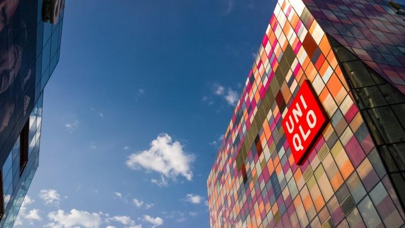 業績被暖冬打敗,Uniqlo搏翻身密招藏在總部裝潢:打掉東京總部的牆壁和隔間