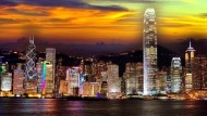 香港下墜中》陸客不去、經濟更依賴中國...近4成港人想移民,首選台灣