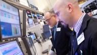 VIX衝破200天均線!市場恐懼抬頭、走勢恐陷動盪?
