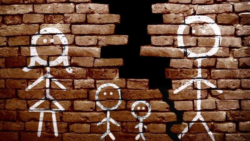 父親死後留下金店面,卻被3個兒子搞到法拍...房產,讓兄弟情散得更快!