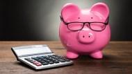 退休金要存多少才夠?金管會網站推試算表,輸入5個數字就能算出來