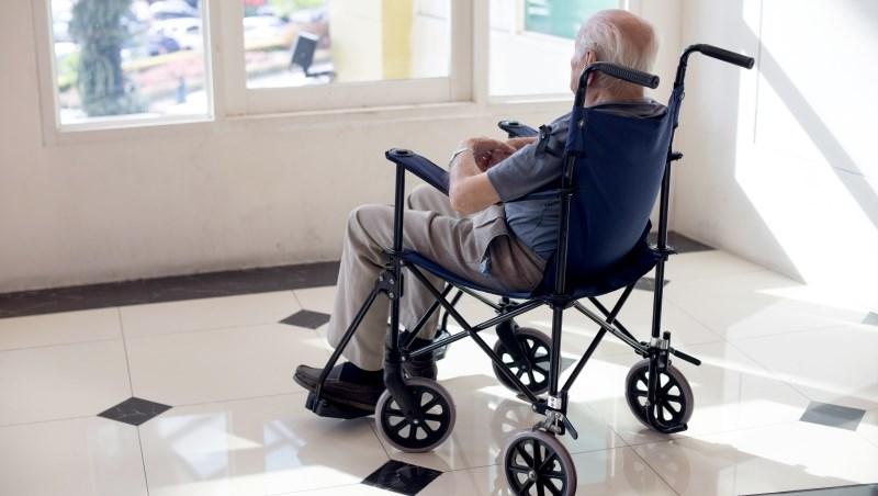 日間照顧、居家護理...怎麼幫老爸老媽申請「長照服務」?6個步驟,一次看懂!