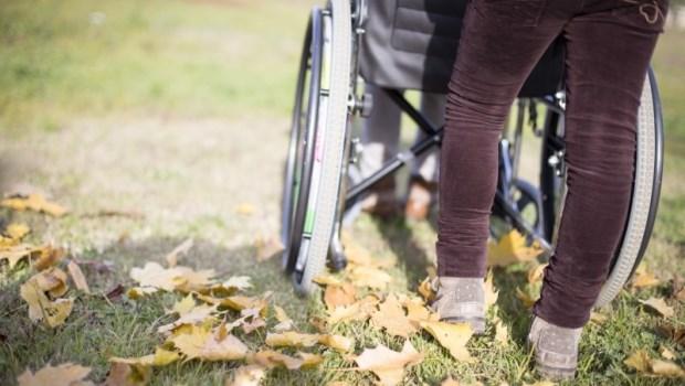 輪椅一張5千元,政府補助4千!助行器、電動床...哪些輔具政府有「全額補助」?