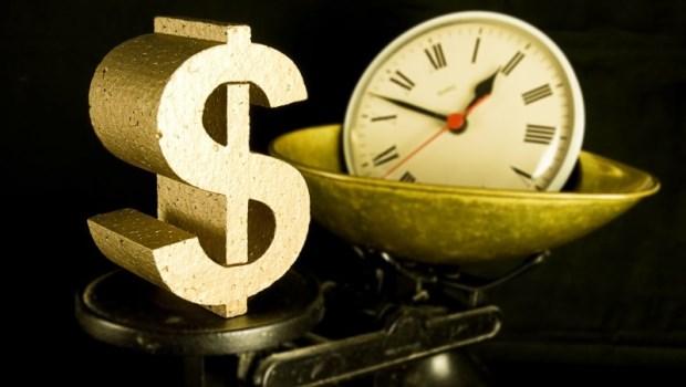 有錢人拿「成果」換酬勞、窮人拿「時間」換酬勞,你是哪一種?