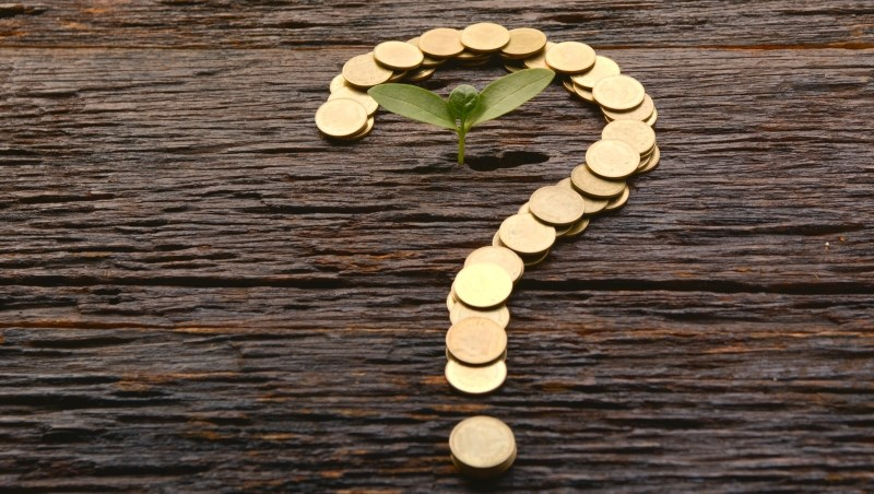 投資 儲蓄 問號 疑問 問題 困惑 疑惑