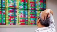 台股下半年只適合「小賭怡情」,證券經理:兩大風險年底爆發
