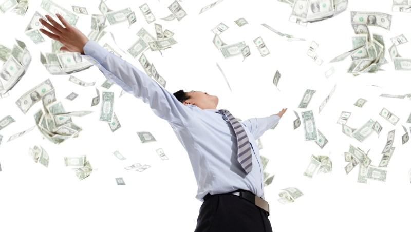 想著領「年金」,還不如靠投資退休!一個公務員6年前的覺悟,換來年領逾80萬股息