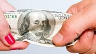 美元即將反攻?避險基金逆勢敲進、本週或打出短底