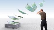 逾9成5的人薪水不夠用!上班族省錢行為大公開,平均月省3141元
