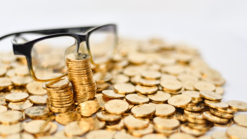 投資 股市 股票 基金 債券 上漲 賺錢  現金投資 年金 退休金