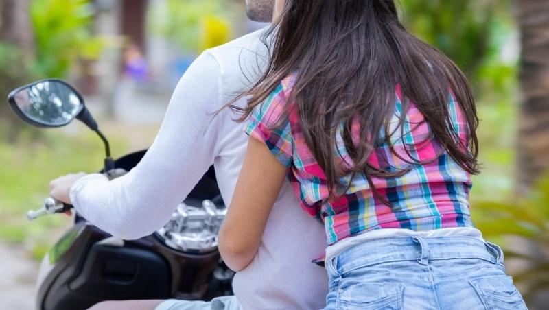 騎車載女友出車禍,竟被女友求償400萬!兩名心碎男的案例告訴你,為何一定要買「乘客責任險」
