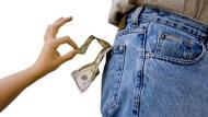 不可思議!美國「低收入家庭」愛消費,竟花40%收入購買奢侈品