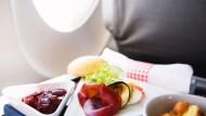 航空公司為省錢,經濟艙只有素食飛機餐