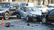 這台國產車撞凹3台車、撞死3個人,肇事駕駛卻好端端!國產車「同價不同命」的比較