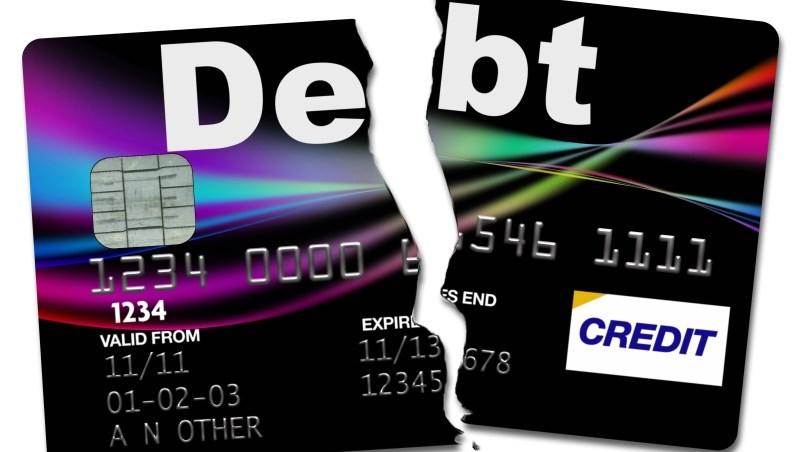 信用卡一剪,就順手丟進垃圾桶...小心!忘了做這件事,個資外洩還被盜用