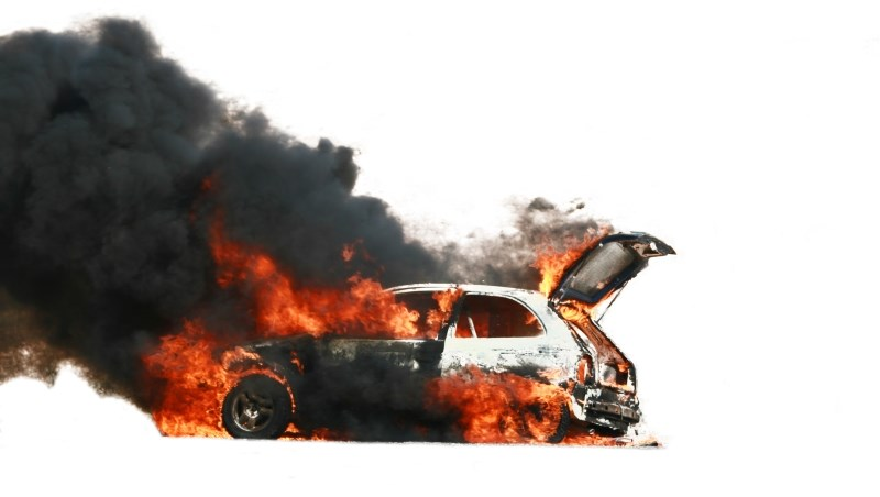 車子 車禍 火燒車