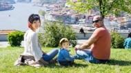 「到死了退休金都花不完」她找到這個存錢法,30多歲就退休環遊世界
