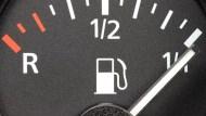 紐約油價開始追趕布蘭特原油!選擇權市場:能源股觸底