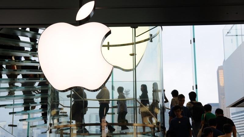 拿iPhone X就能高人一等?年輕人沒存到20萬,憑什麼買iPhone