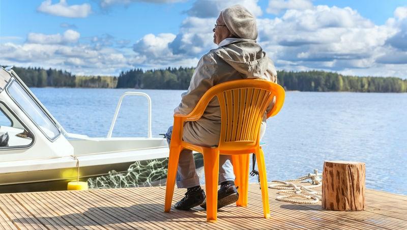 享受一個人的旅行、一個人開伙也很棒...要單身自在到老後,請先預演這10個獨居風險