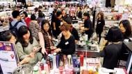 SOGO周年慶》買6000才送600!化妝品回饋門檻太高?董座說:消費者的荷包已經準備好了